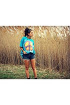 tie dye t-shirt - denim cut offs Levis shorts