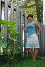 Blue-mexx-shirt-beige-value-village-skirt-beige-payless-shoes