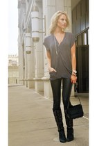 black Aldo boots - black Akira leggings - black Akira purse