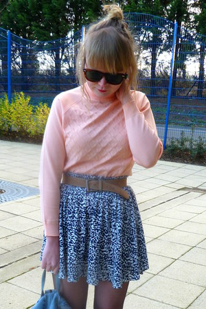 navy H&M skirt - navy velvet Topshop shoes - periwinkle vintage bag