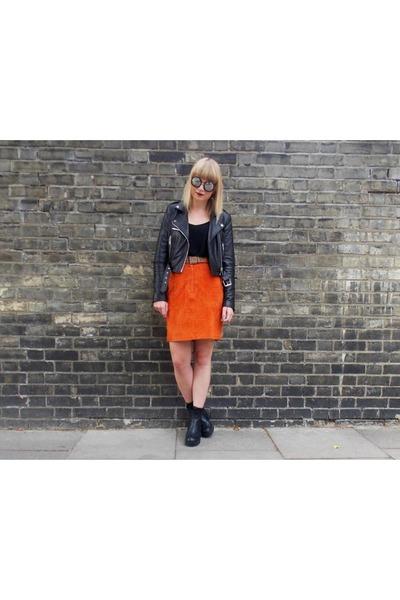 burnt orange suede vintage skirt - black vagabond boots