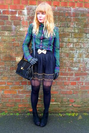 black jane shilton vintage purse - forest green Levis shirt