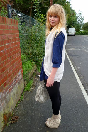 blue random brand shirt - Mums vest - black next leggings - beige dads socks - L