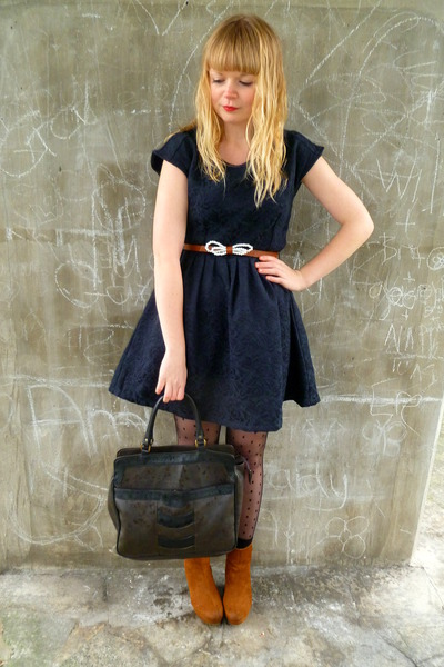navy jacquard Dahlia dress - brown vintage bag