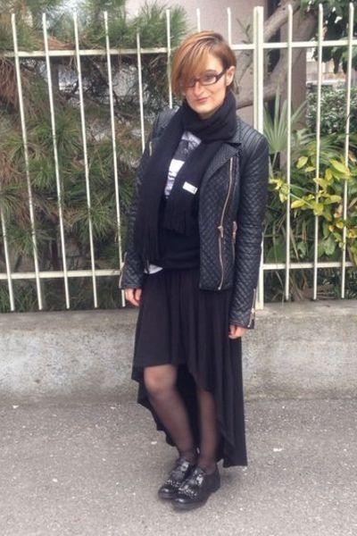 navy man Alcott t-shirt - oxfords Tosca Blu shoes - black Zara jacket