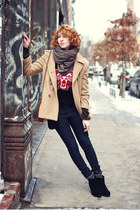 camel vintage coat - black Cheap Monday boots - black varsity vintage sweater