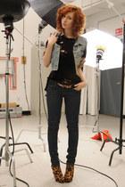 sky blue Gap vest - tawny Schutz boots - navy Levis jeans
