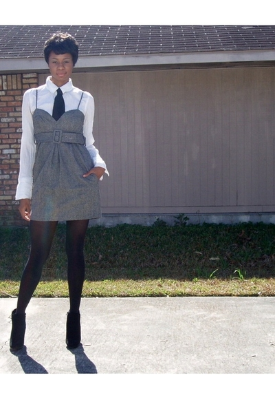 black steve madden Steve Madden boots - gray Forever21 dress