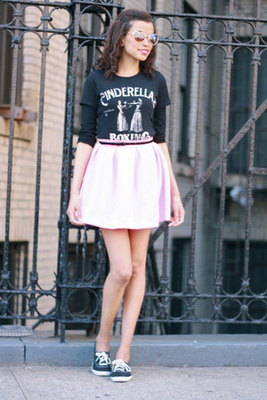 Tobi skirt - Keds shoes - Fabcom t-shirt