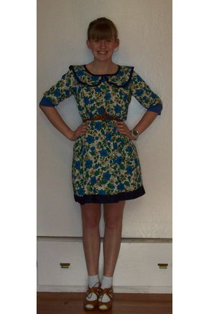green postlapsaria dress - brown delias belt - brown modcloth shoes