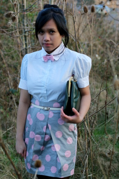 pink polkadot asoscom skirt - dark green clutch Clarks bag