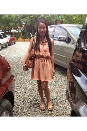 The Ramp necklace - mags dress - janilyn flats