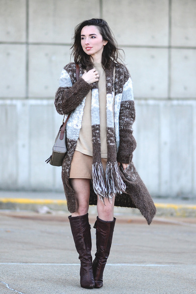dark brown thrifted Bakers boots - heather gray liz claiborne purse