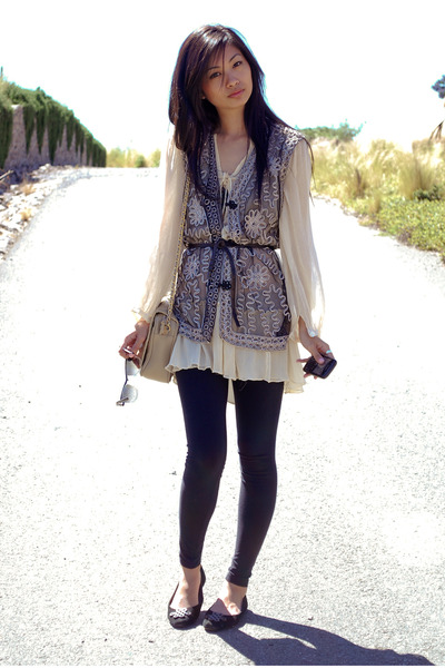 black people images free. black vintage vest - black Diane Von Furstenberg shoes - beige free people