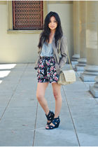 black floral Urban Outfitters shorts - black Dolce Vita shoes