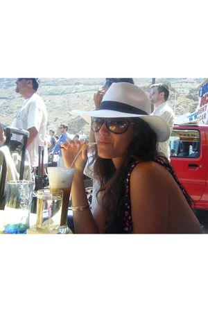 mykonos hat - Urban Outfitters top - Tom Ford sunglasses
