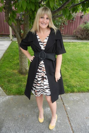 modcloth dress - simply vera wang coat - Urban Outfitters heels