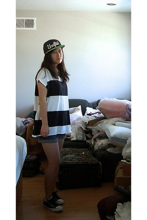 snapback Undefeated hat - blue BDG shorts - white striped Zara t-shirt