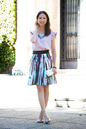 turquoise blue pleated skirt milly skirt - white clutch kate spade bag