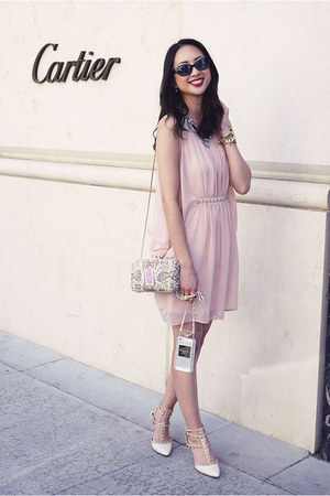 white Etsy iphone case - beige sam edelman shoes - light pink asos dress