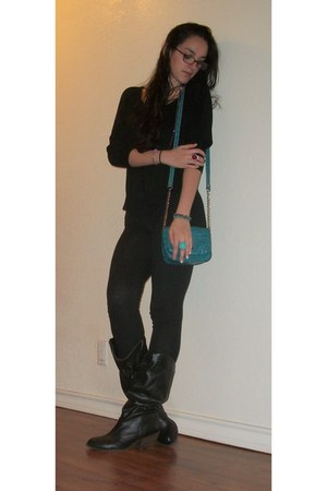 turquoise blue purse - black boots - black top - crimson ring