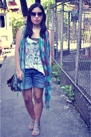 Zara top - Jellybean scarf - Jellybean shorts - CMG sandals