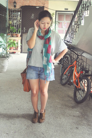 Jellybean scarf - Gold Dot shoes - fab manila bag - anagon necklace