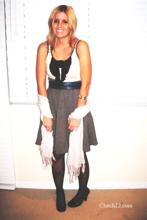 H&M top - Limited belt - Marshalls skirt - Urban Outfitters tights - Express bra