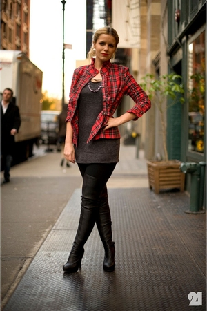 red Priorities shirt - black Jeffrey Campbell boots