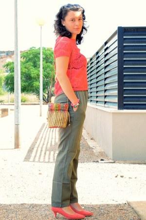 red suiteblanco top - dark green okeysi pants