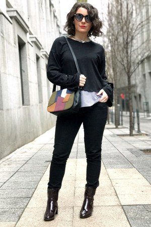 black Bershka shirt - ruby red Marypaz boots - black Sabaskacom bag