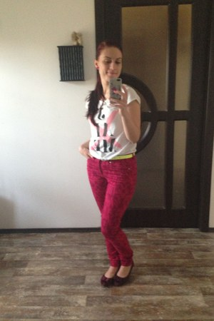 hot pink H&M jeans - yellow H&M belt - hot pink DIY earrings