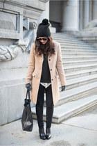 tan Uniqlo coat
