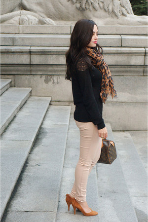 light pink American Eagle jeans