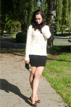 white ONeill sweater