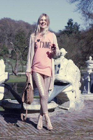 nude Zara leggings - brown Ebay stuff bag - pink je taime Wildfox t-shirt - neut