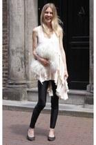 H&M leggings - feedyourstyle bag - IT shoes flats - shopakira top