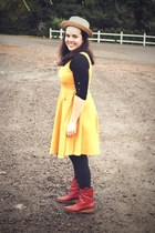 gold Tulle dress - tan Forever 21 hat - brick red frye via ebay boots