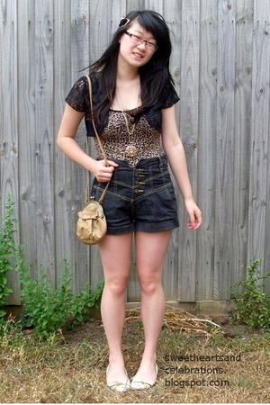 brown thrifted top - black thrifted top - gray Silence  Noise shorts - brown cot