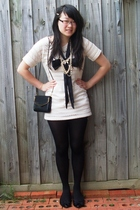 thrifted t-shirt - glomesh purse - accessories - vintage necklace