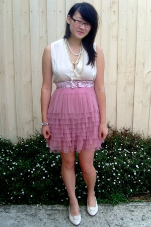 Friends of Couture skirt - vintage blouse - shoes - vintage accessories