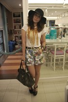 bag - white top - versace belt - shorts - Anagon Necklace Soule Phenomenon Rings