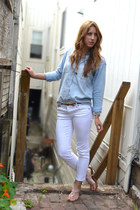 light blue denim madewell shirt - white cropped Kut jeans