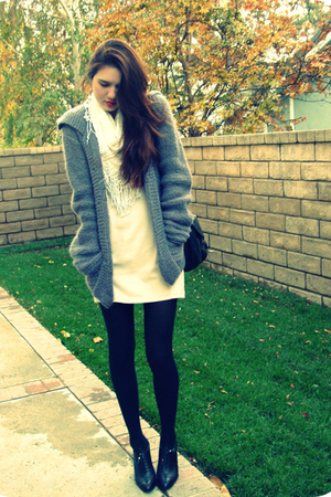 wool vintage sweater - black banana republic shoes - beige H&M dress
