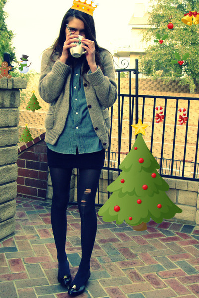 black Salvatore Ferragamo shoes - beige vintage sweater