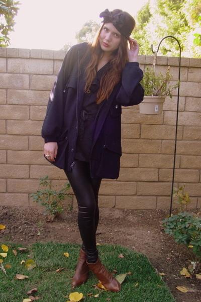 black tailored leggings - brown free people shoes - blue Judi Rosen coat