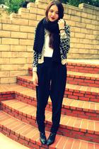 H&M sweater - Urban Outfitters top - vintage DIY pants - H&M scarf - banana repu