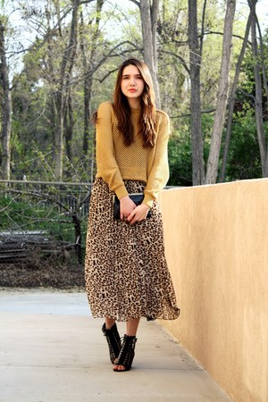 mustard we are rubbish sweater - black modcloth shoes
