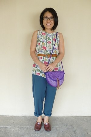 deep purple vintage unknown bag - tawny thrifted unknown belt
