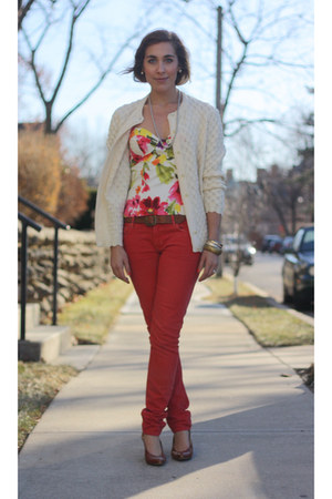 red skinny jeans Zara jeans - ivory nubby oversized thrifted vintage cardigan -